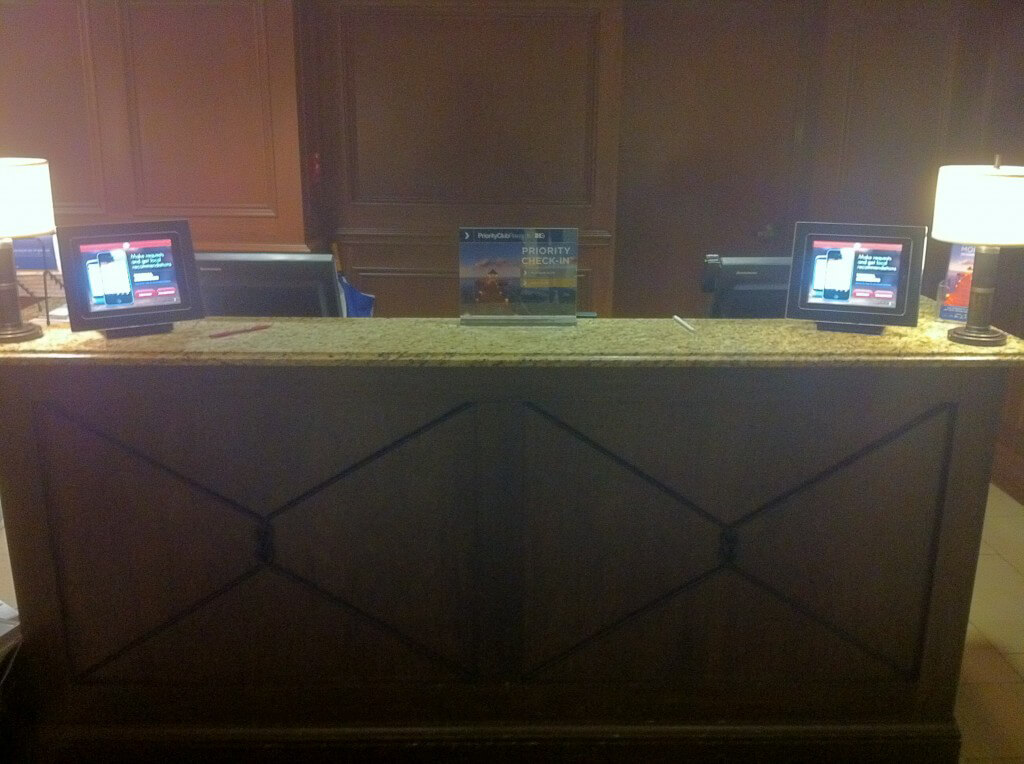 crowne plaza front desk