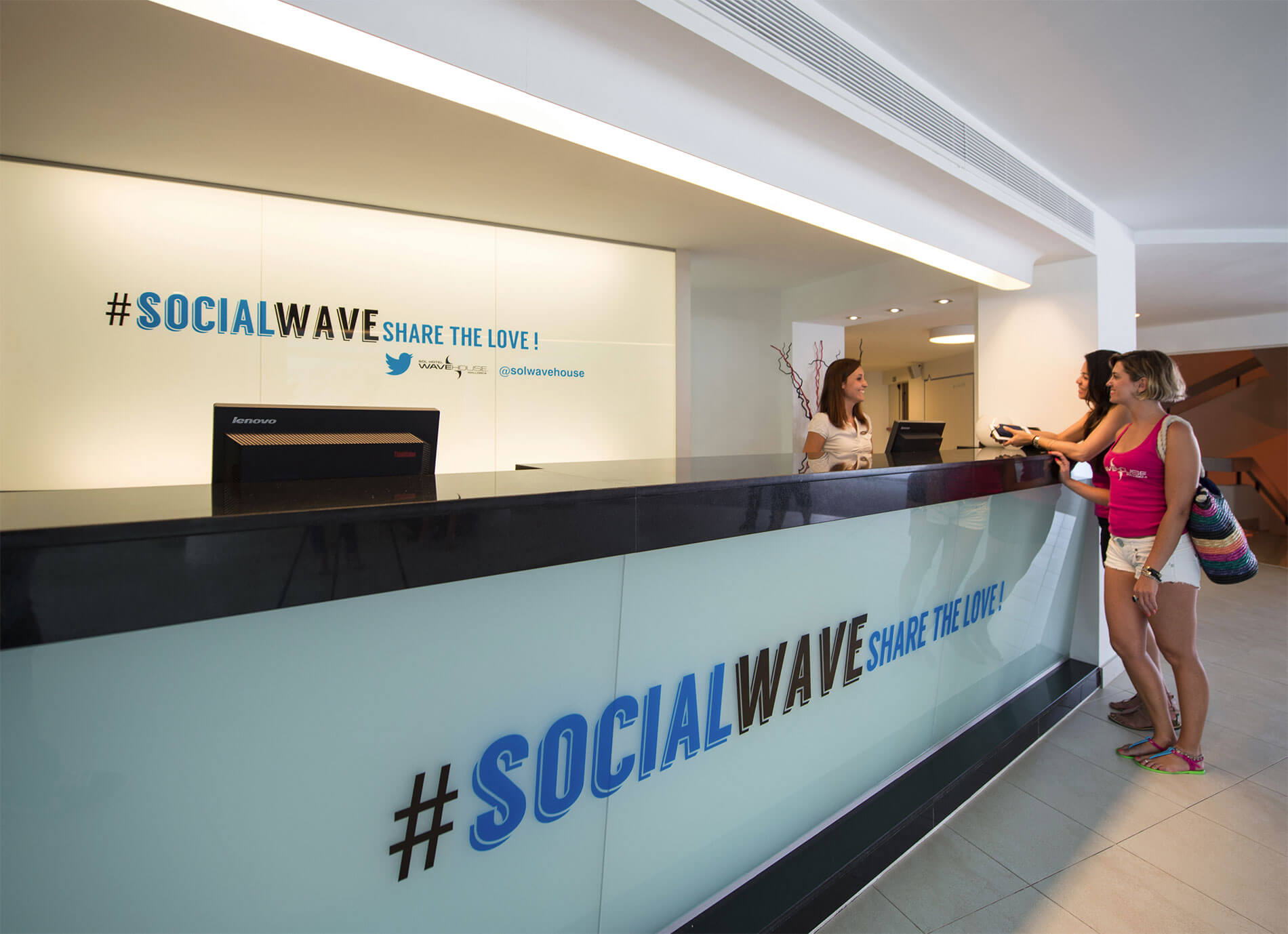 "Sol Wave House (Mallorca), the first ever ""Twitter Experience"" hotel"