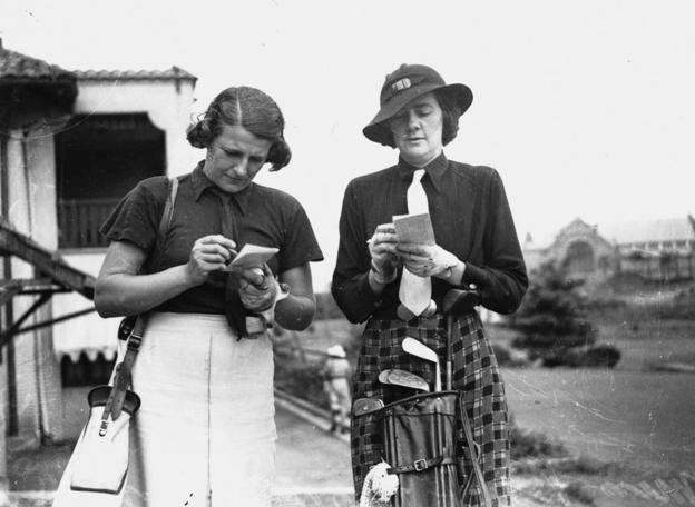 vintage-golf-women