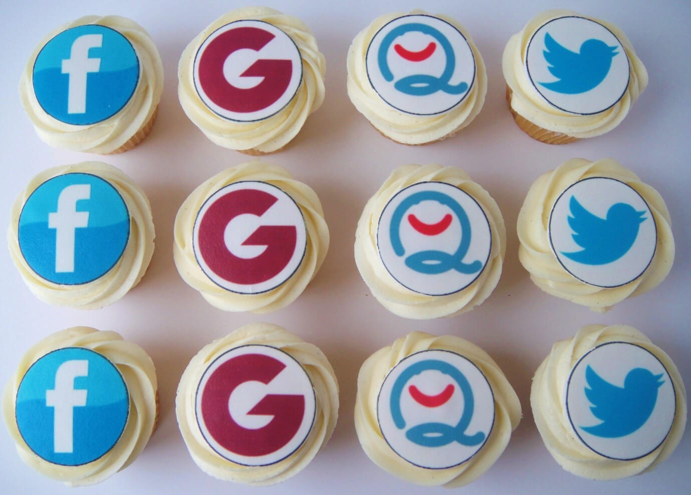 social-cupcakes